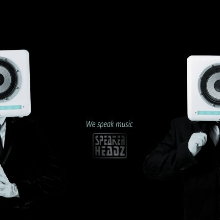 Speakerheadz black suits banner met logo